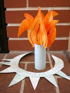 paper plate crown and torch