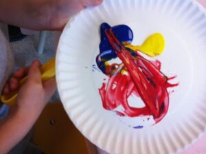 paper plate magnet painting