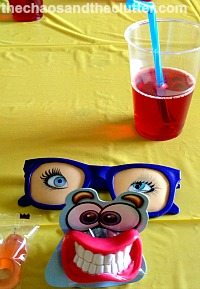 fun party place setting
